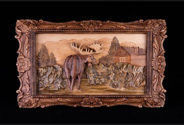 Резная деревянная картина Лось