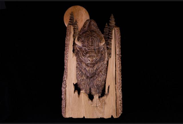 Панно резное Бизон из дерева