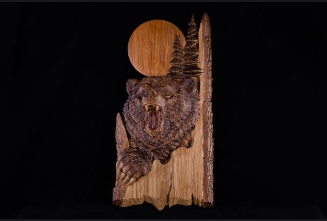Панно резное Медведь из дерева