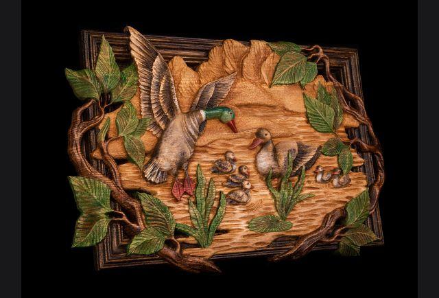 Резная картина Утки из дерева