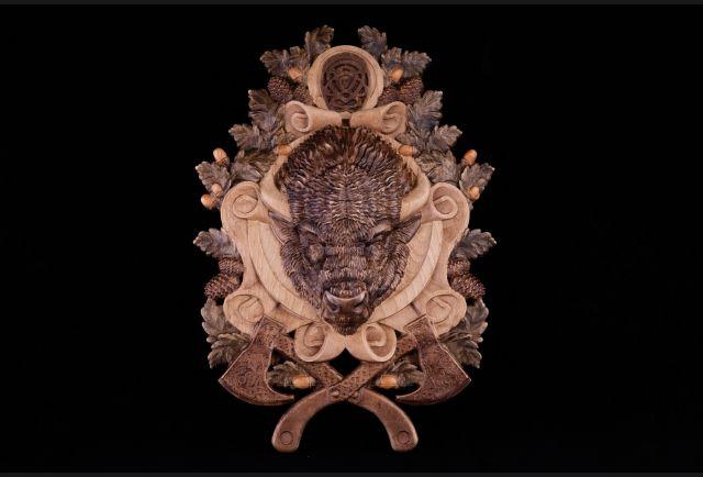 Панно резное Бизон из дерева №2